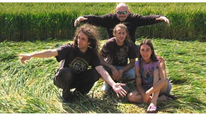 Pszichedelikus Kelly Family: Ozric Tentacles, A38