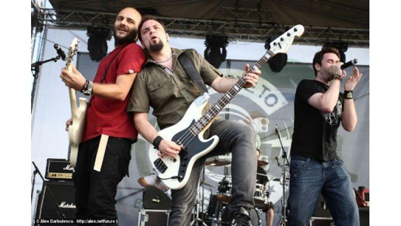 FRISSÍTVE! A fél zenekar a bukaresti koncerten történt robbanás áldozatai között