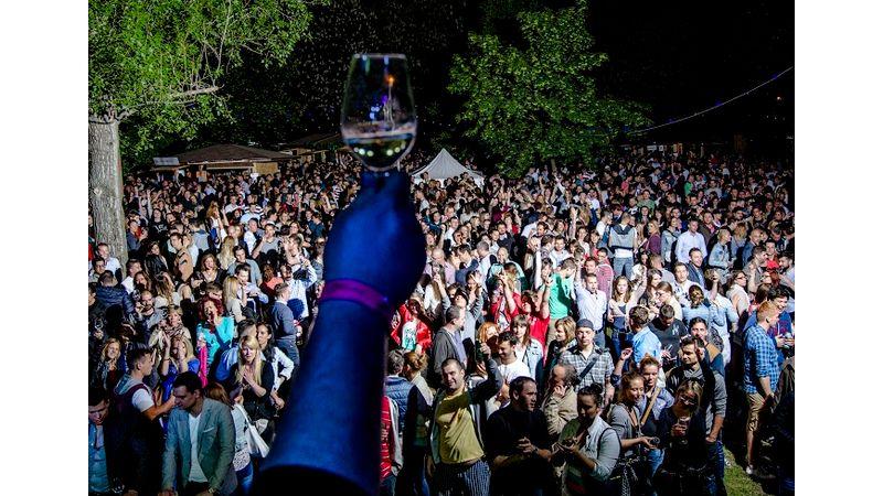 Rozé- és pezsgőfesztivál a Városligetben koncertekkel