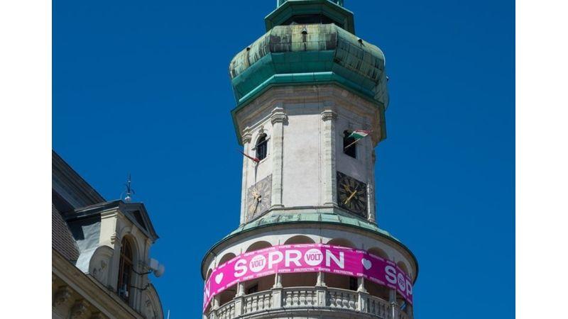 Tudjuk, hova tart 150 ezer ember: Sopronba!