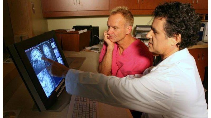 Belenéztek Sting agyába, találtak Beatlest is benne