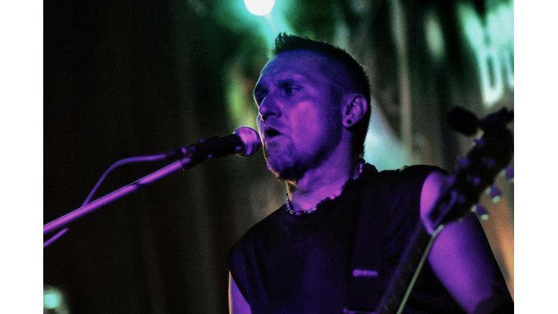 Koncerttel emlékezik elhunyt gitárosára a VHK