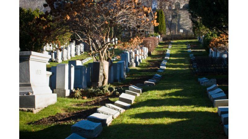 Leonard Cohent jelöletlen sírban helyezték örök nyugalomra