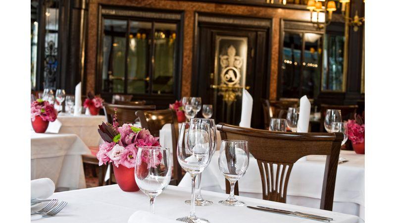 CoolTúra: zene és kortárs irodalom a 102 éves Hotel Astoriában