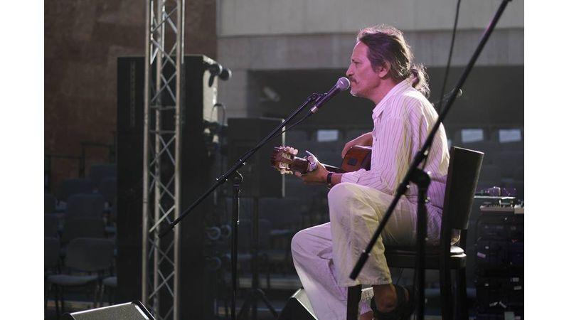 Dévényi Ádámra emlékeznek barátai és pályatársai: színészek, zenészek és zenekarok