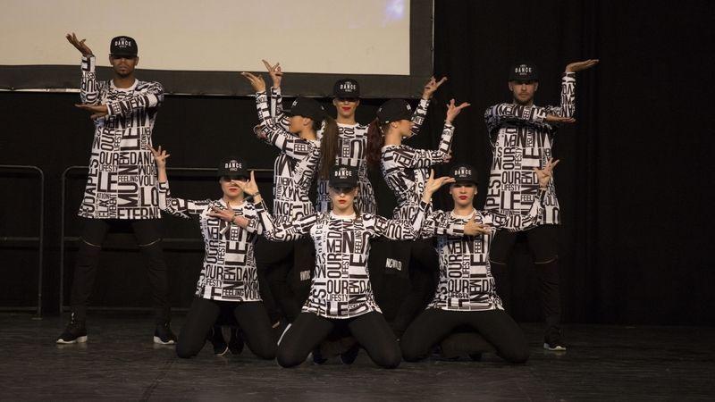 A koreai popzenék klipjei elevenednek meg a Lángban