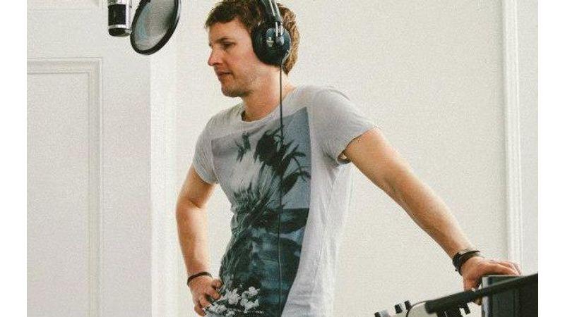 4 év kihagyás után új James Blunt-album