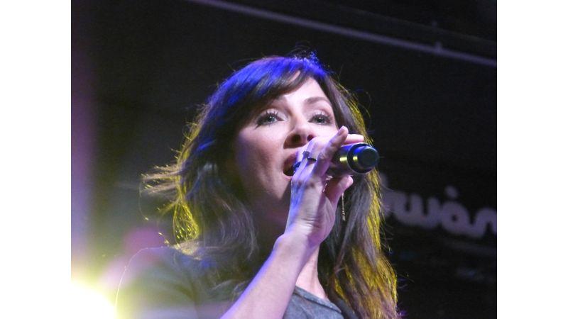 Van élet a Torn után - Natalie Imbrugliával akusztikoztunk