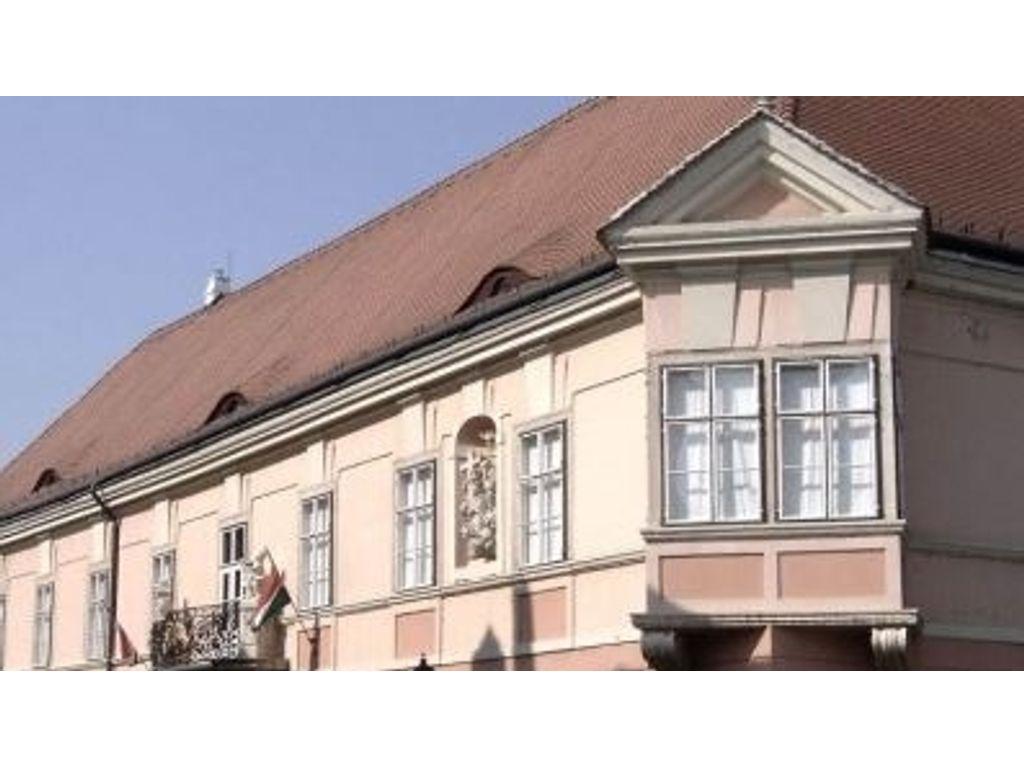 Győr, Esterházy-palota