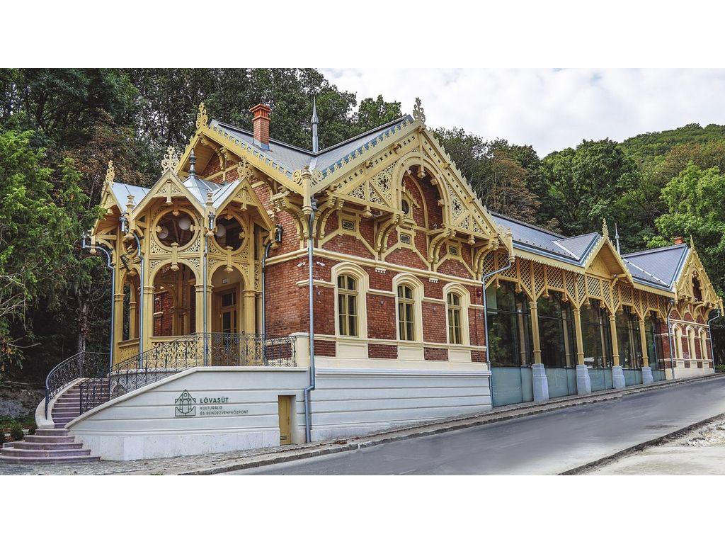 Lóvasút Kulturális és Rendezvényközpont