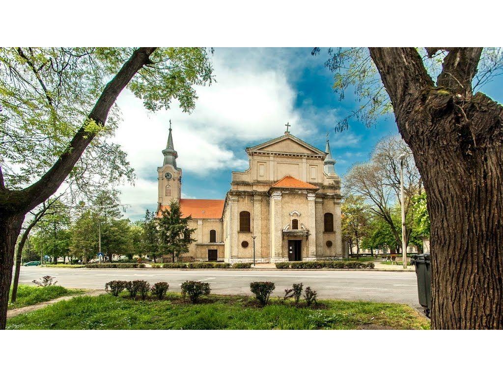 Jézus Szíve Katolikus Templom - Dombóvár