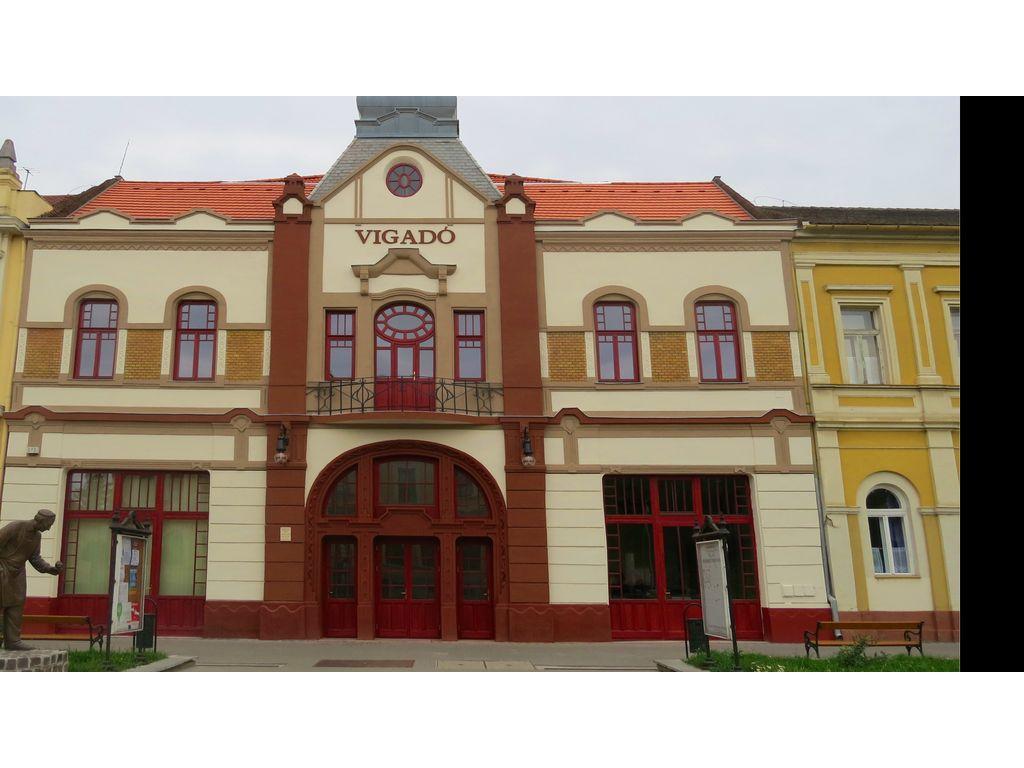 Vigadó Kulturális Központ - Kisújszállás