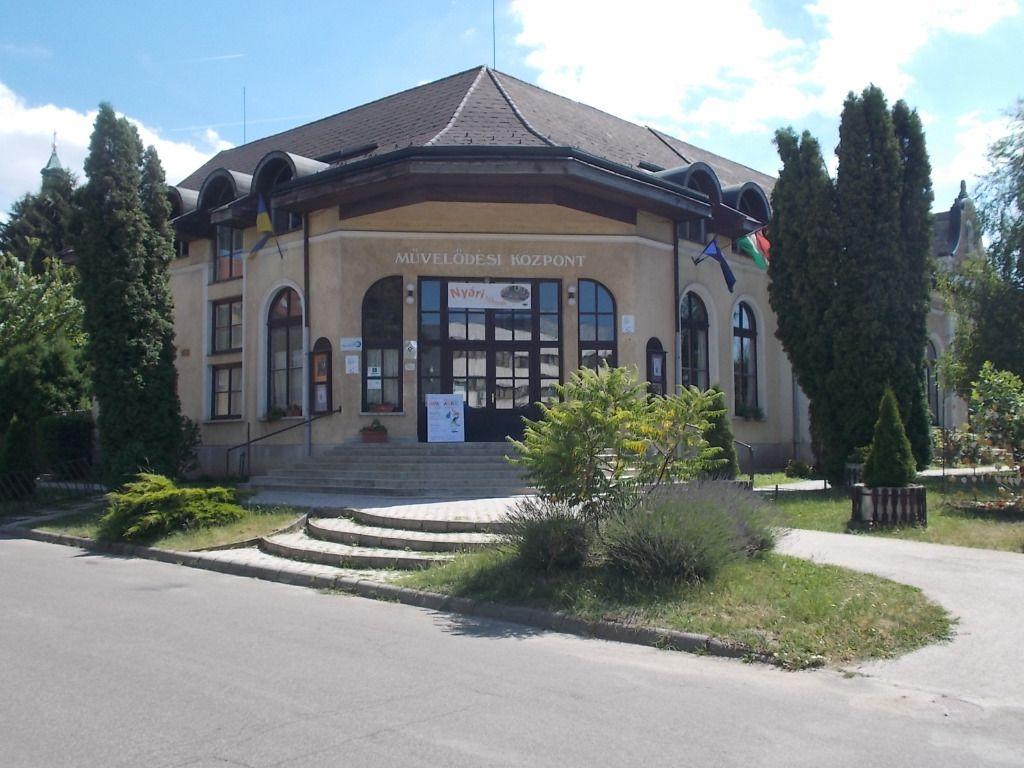 Petőfi Sándor Művelődési Központ- Bicske