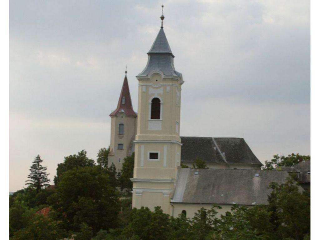 Tarcali Református Egyházközség temploma