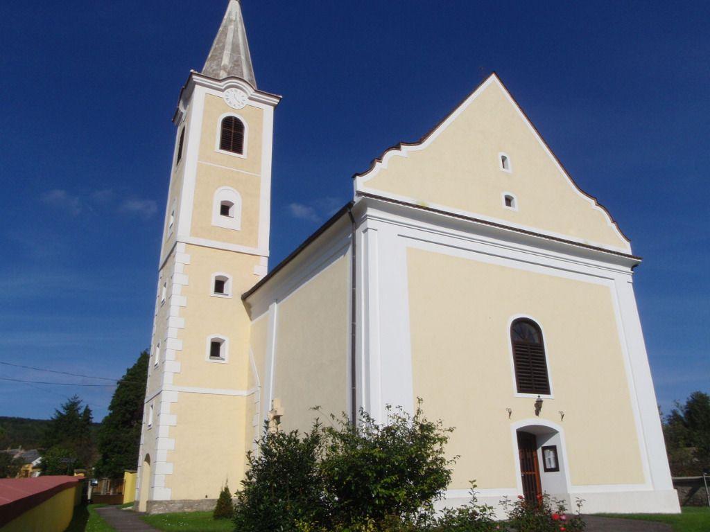 Szent Anna Plébániatemplom - Bozsok