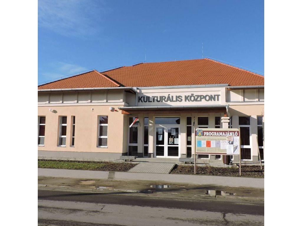 Máriapócs - Kulturális Központ és Városi Könyvtár