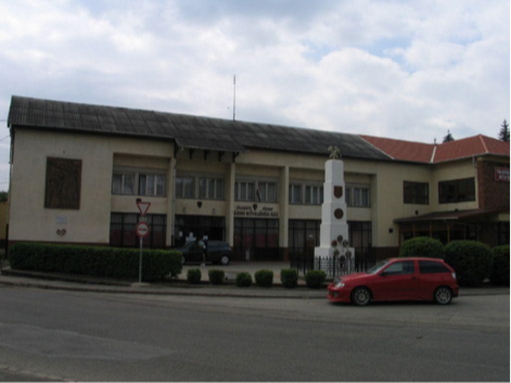 Gvadányi József Művelődési Ház