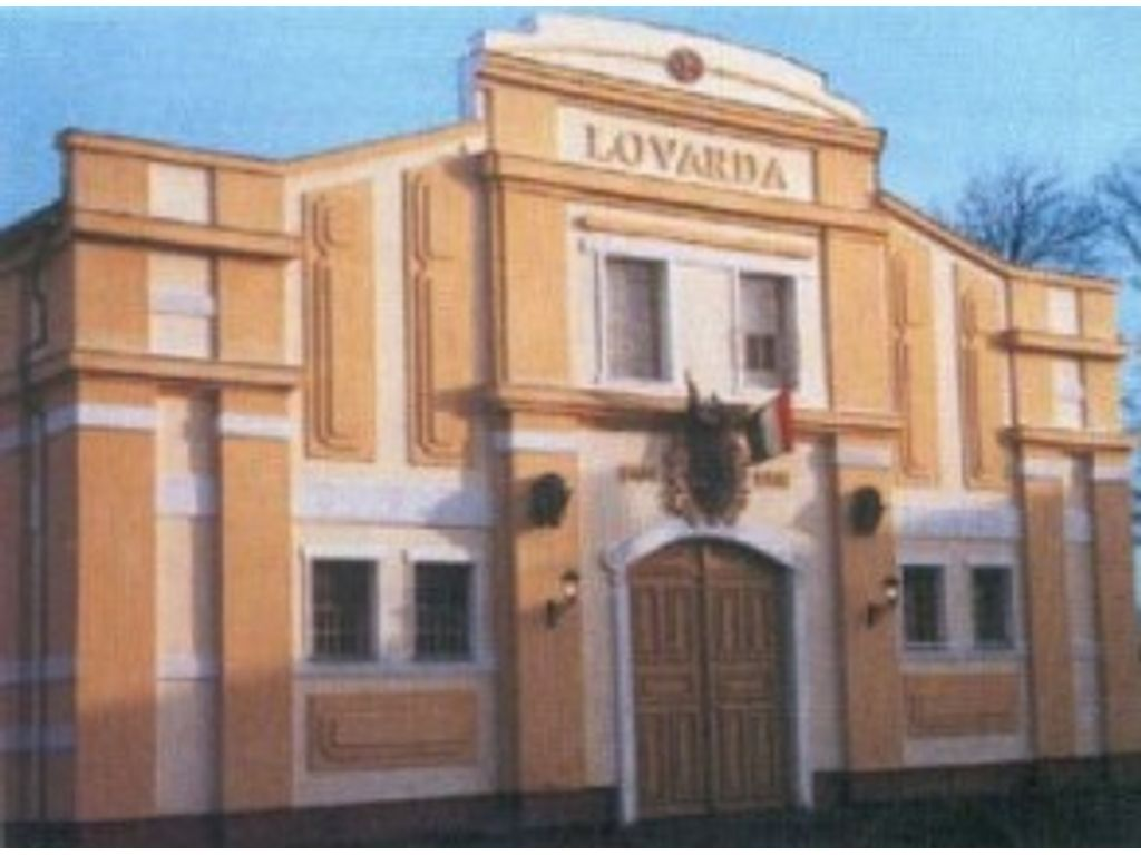 Komárom Magyar Lovas Színház
