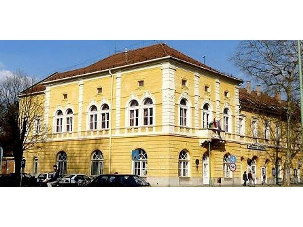 Művelődési Központ és Városi Galéria