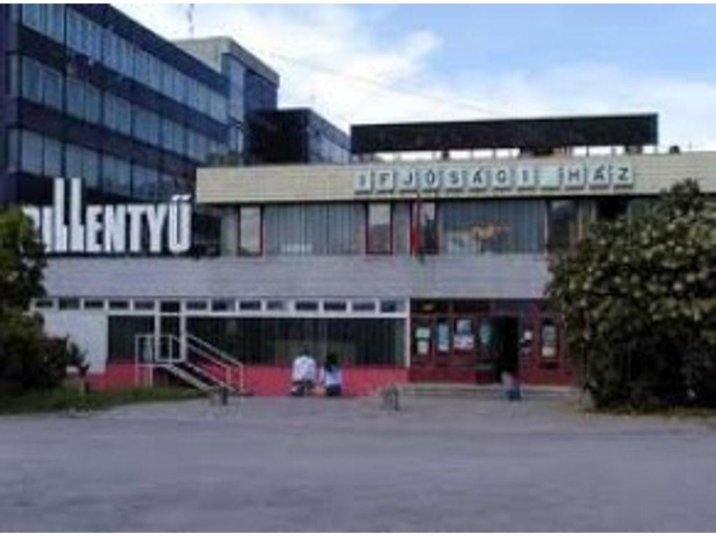 Pécsi Ifjúsági Központ Ifjúsági Háza