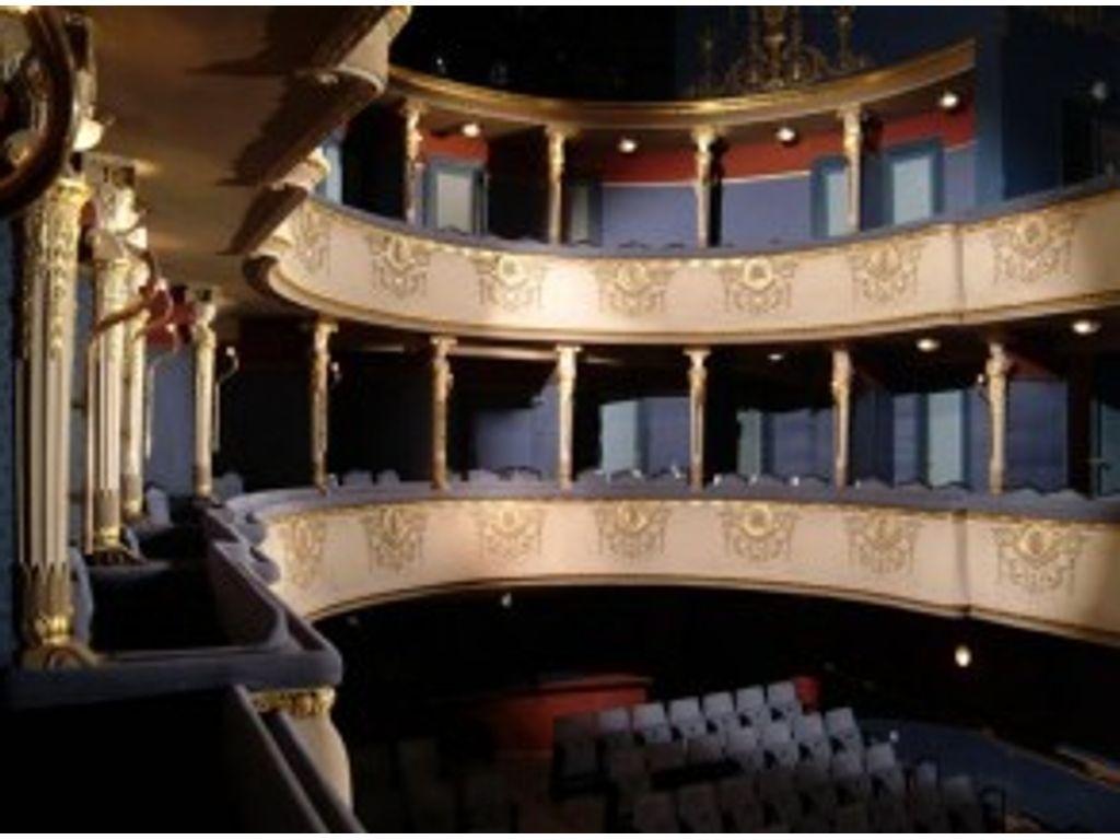 Új Színház