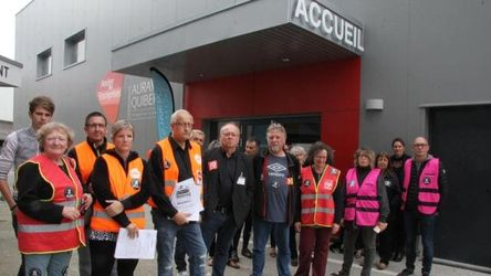 auray, finances, publiques, fermeture, agents, interpellent, elusle, personnel, poursuit, actions, centre, vingtaine, manifes