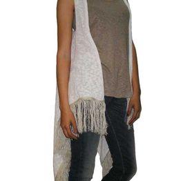 Agel Knitwear πλεκτή αμάνικη ζακέτα λευκή με κρόσια - s15429-wh