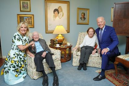 giants, bidens, carters, president, lady, camera, illusion