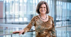 Arline Savage Receives 2021 UAB President's Award for Excellence in Teaching
