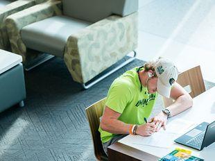 Virtual peer tutoring lab helps underclassmen stay on track