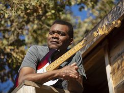See Robert Cray Band in concert Nov. 9, as part of Alys Stephens Center's 25th anniversary season