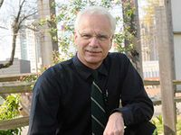 Wyss receives presidential honor and award for mentoring in the field of STEM