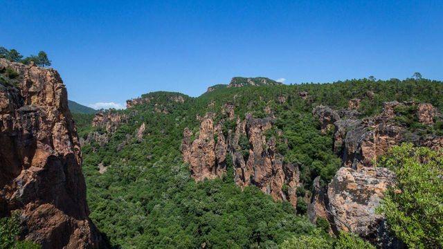 Gorges de Blavet dans Bagnols-en-Forêt