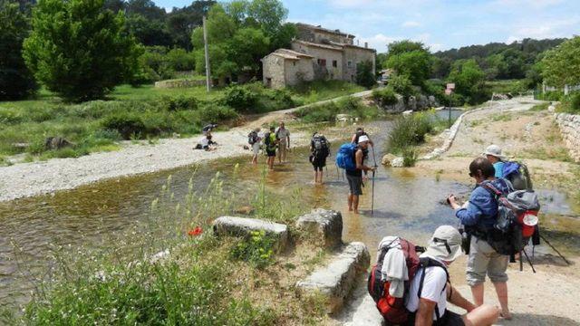 Lorgues - passage d'un gué - chemin de St Jacques de Compostelle