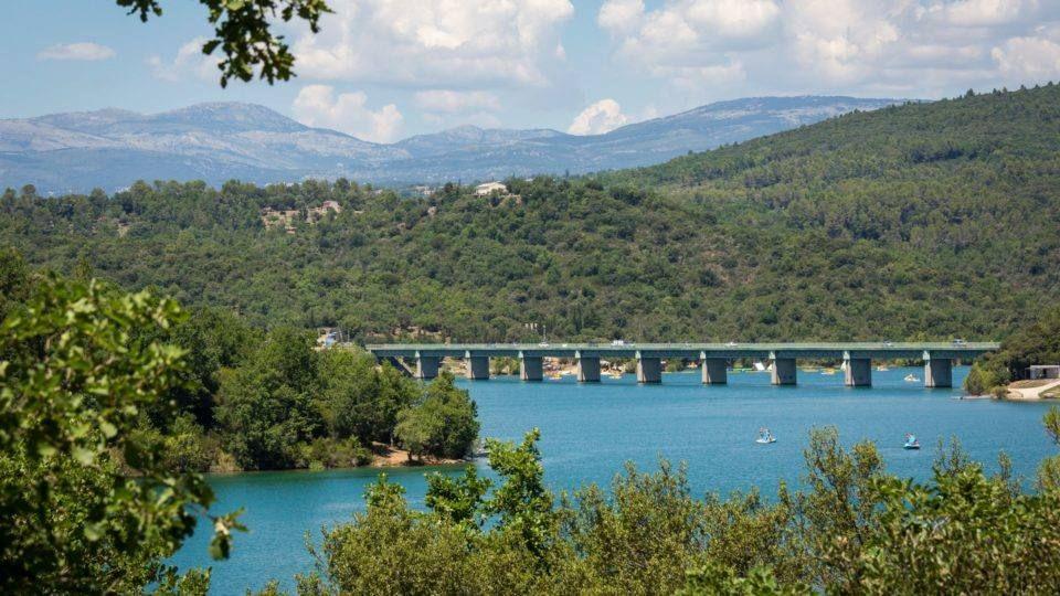Le lac de Saint-Cassien à Montauroux