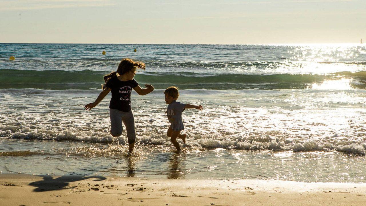 déconfinement : plages ouvertes dans le Var, la plage de saint cyr