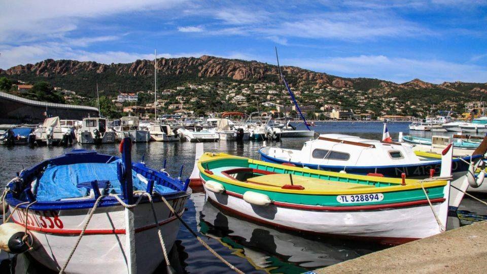 Le port d'Agay et le Rastel