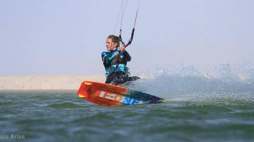 Ride d'un kitesurfer
