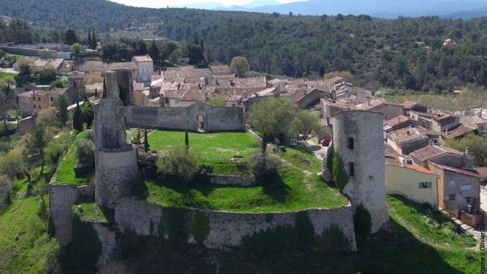Ruines du château médiéval de Pontevès