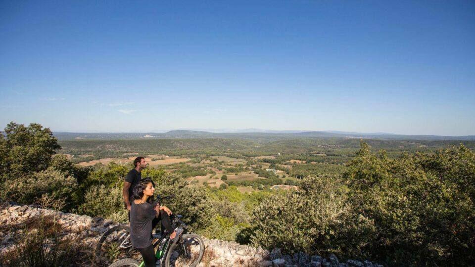 Vue panoramique sur la Provence Verte
