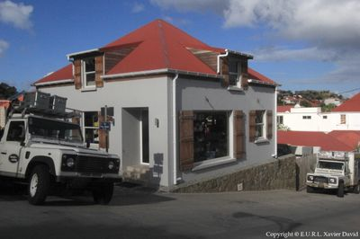 Boutique & Garage Hugues Marine - Renovation and Addition to an Existing Garage in Gustavia