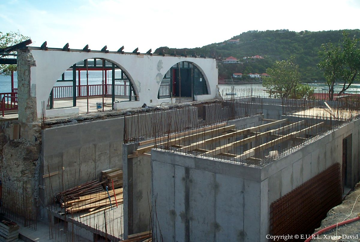 Construction site of Hôtel Eden Rock during renovation by Bureau Xavier David.