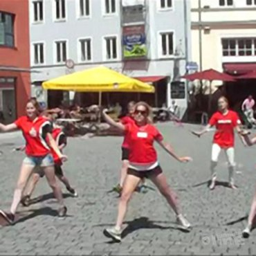 Josephine flashmobt in Duitsland