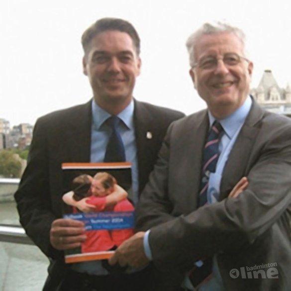 Bidbook in Londen aangeboden - Badminton Nederland