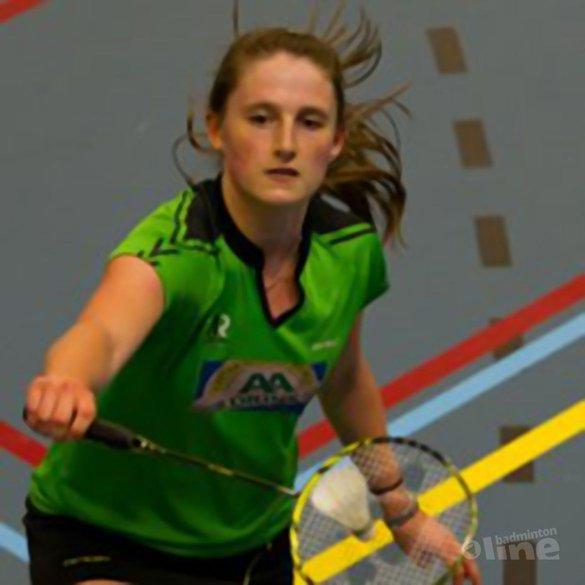 Kirsten van der Valk geslaagd voor VWO: badminton and brains - René Lagerwaard