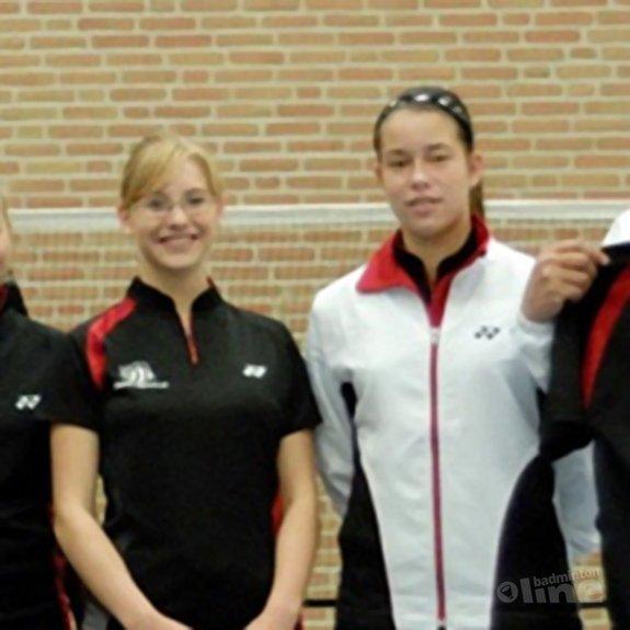 Cheryl assistent-trainer bij trainingsgroep van vader Seinen - Alex van Zaanen