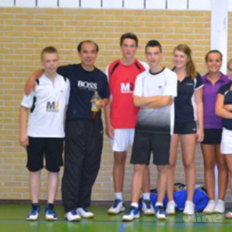 Fabian Pang trainer bij de Badmintonschool Noord-Limburg