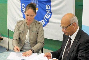 Badminton Nederland en Vereniging voor Badminton Oefenmeesters zetten handtekening onder nieuwe samenwerking