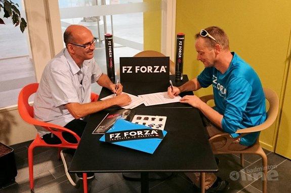 Deze afbeelding hoort bij 'Badminton Academy Heerenveen tekent nieuw sponsorcontract' en is gemaakt door FZ Forza