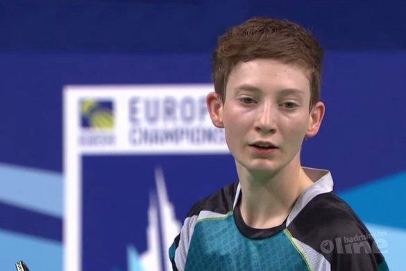 Een omhelzing van Rune Massing - Badminton Europe